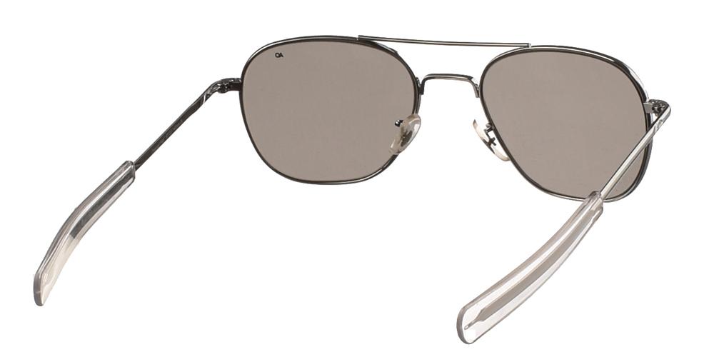 Μεταλλικά διαχρονικά ασημί ανδρικά γυαλιά ηλίου Pilot 55 της εταιρίας American Opticalμε κρυστάλλινους φακούς για όλα τα πρόσωπα.