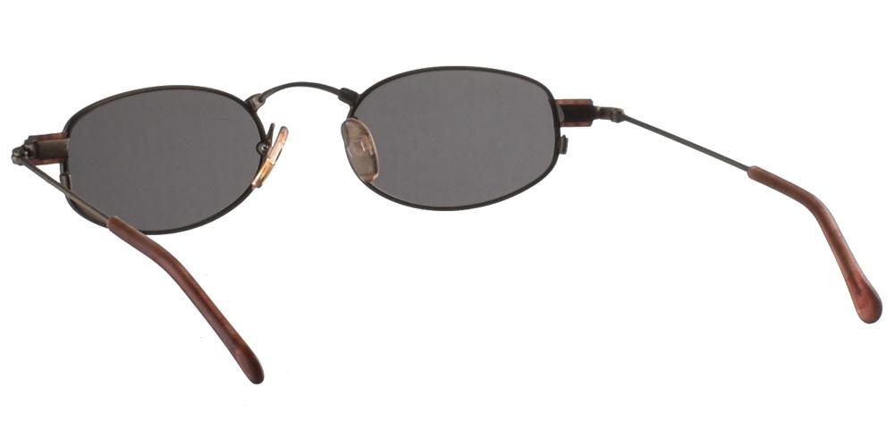 Μεταλλικά ανδρικά και γυναικεία γυαλιά ηλίου Original Vintage 825 Silver σε ασημί σκελετό και σκούρους πράσινους φακούςγια όλα τα πρόσωπα.