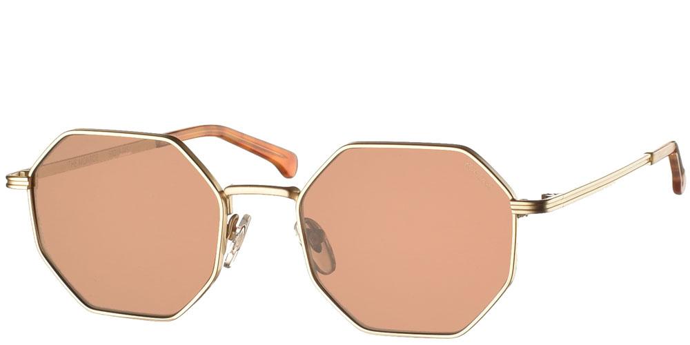 Γυναικεία και ανδρικά μεταλλικά πολυγωνικά γυαλιά ηλίου Komono Monroe White Gold σε ματ χρυσό μεταλλικό χρώμα και καφέ φακούς για όλα τα πρόσωπα.