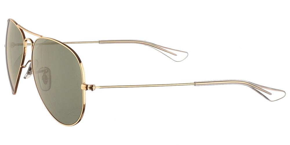 Διαχρονικά aviator γυαλιά ηλίου RB 3025 σε χρυσό μεταλλικό σκελετό και σκούρους πράσινους κρυστάλλους της εταιρίας Ray Banγια μικρά και μεσαία πρόσωπα.