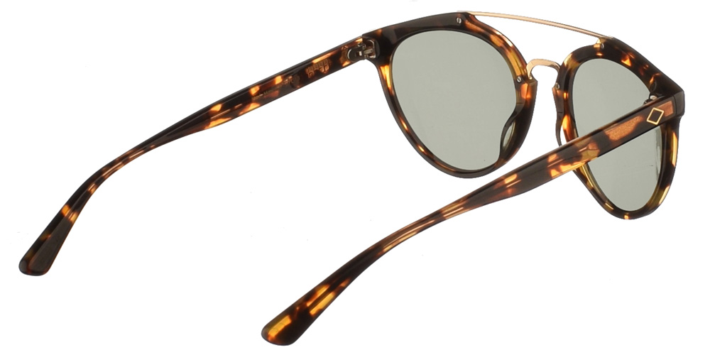 Χειροποίητα κοκάλινα unisex γυαλιά ηλίου Moscova σε καφέ ταρταρούγα, με διπλή χρυσή μπάρα και πράσινους φακούς της εταιρίας Charlie Maxγια όλα τα πρόσωπα.