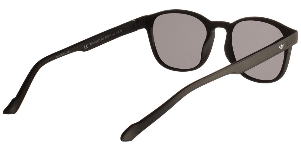 Ανδρικά κοκάλινα τετράγωνα γυαλιά ηλίου Adidas Originals AOR030 009 σε μαύρο ματ χρώμα και επίπεδους σκουρόχρωμους γκρι φακούςγια όλα τα πρόσωπα.
