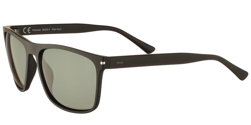 Διαχρονικά κοκάλινα ανδρικά γυαλιά ηλίου B2025 σε μαύρο ματ σκελετό με πράσινους polarized φακούς της εταιρίας Invuγια μεσαία και μεγάλα πρόσωπα.