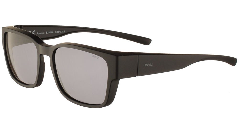 Διαχρονικά κοκάλινα ανδρικά γυαλιά ηλίου E2805 σε μαύρο ματ σκελετό με γκρι polarized φακούς της εταιρίας Invu για όλα τα πρόσωπα.