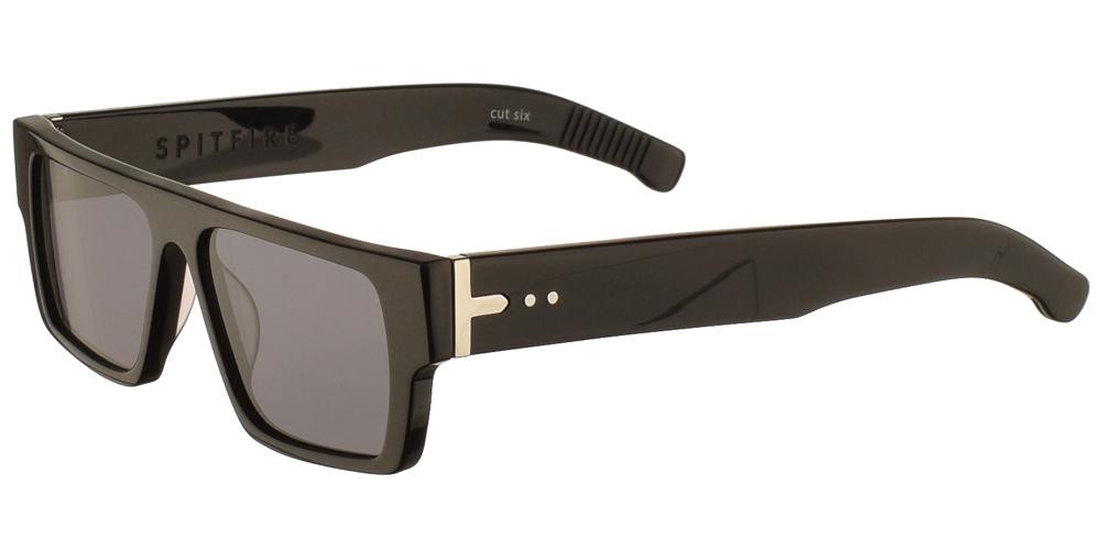 Unisex κοκάλινα γυαλιά ηλίου Cut Six σε μαύρο χρώμα και επίπεδους γκρι φακούς της εταιρίας Spitfire για μεσαία και μεγάλα πρόσωπα.