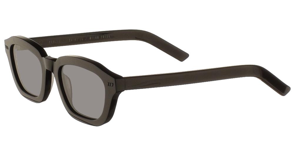 Χειροποίητα κοκάλινα unisex τετράγωνα γυαλιά ηλίου Fen σε μαύρο σκελετό και επίπεδους γκρι φακούς της εταιρίας Gastγια όλα τα πρόσωπα.