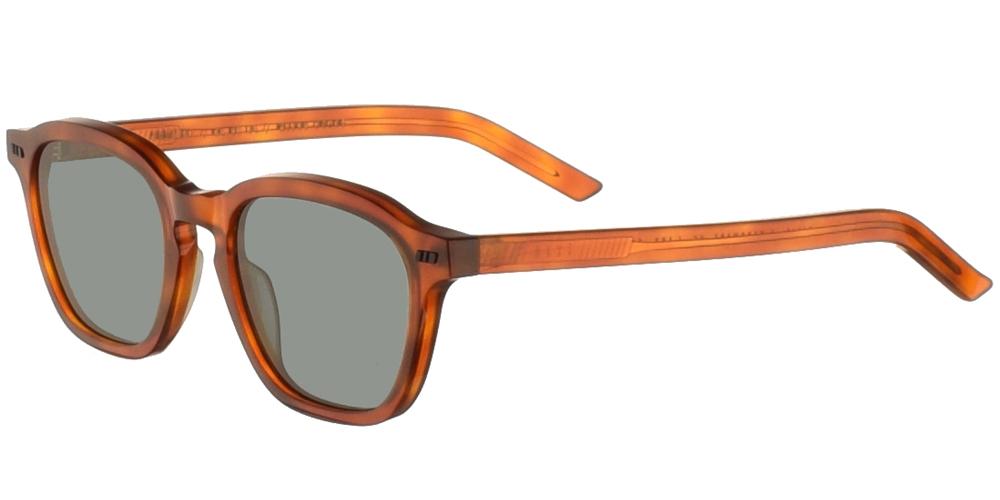 Χειροποίητα κοκάλινα unisex τετράγωνα γυαλιά ηλίου Galit σε ανοιχτόχρωμη ταρταρούγα και επίπεδους πράσινους φακούς της εταιρίας Gast για όλα τα πρόσωπα.
