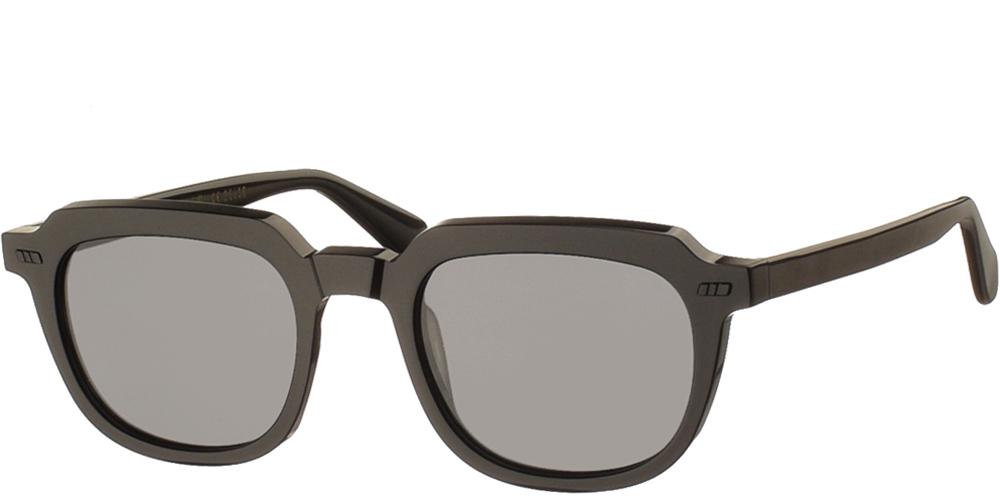 Χειροποίητα κοκάλινα unisex γυαλιά ηλίου Dail σε μαύρο σκελετό και επίπεδους σκούρους γκρι φακούς με εσωτερικές antireflex επιστρώσεις της εταιρίας Gast για μικρά και μεσαία πρόσωπα.