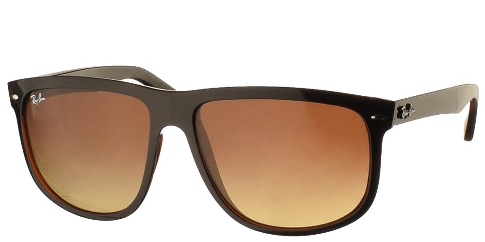 Τετράγωνα κλασικά ανδρικά γυαλιά ηλίου RB 4147 σε καφέ ταρταρούγα και καφέ ντεγκραντέ φακούς της εταιρίαςRay Banγια μεσαία και μεγάλα πρόσωπα.