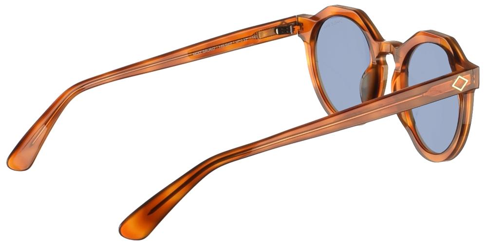 Χειροποίητα κοκάλινα unisex γυαλιά ηλίου Sauro σε ανοιχτόχρωμο καφέ σκελετό και μπλε φακούς της εταιρίας Charlie Maxγια όλα τα πρόσωπα.