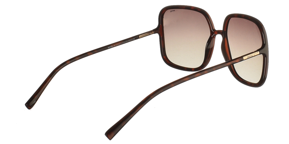 Διαχρονικά κοκάλινα γυναικεία γυαλιά ηλίου B2045 σε καφέ σκελετό με καφέ ντεγκραντέ polarized φακούς της εταιρίας Invu για μεσαία και μεγάλα πρόσωπα.