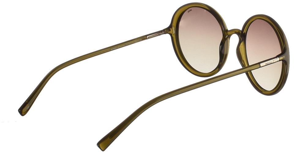Διαχρονικά κοκάλινα γυναικεία γυαλιά ηλίου B2046D σε χακί χρώμα με απαλούς γκρι polarized φακούς της εταιρίας Invuγια όλα τα πρόσωπα.