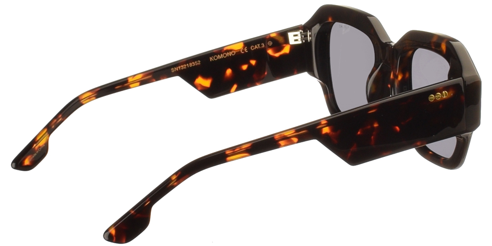 Κοκάλινα unisex γυαλιά ηλίου Lee σε καφέ ταρταρούγα και επίπεδους σκούρους γκρι polarized φακούς της εταιρίας Komonoγια μεσαία και μεγάλα πρόσωπα.