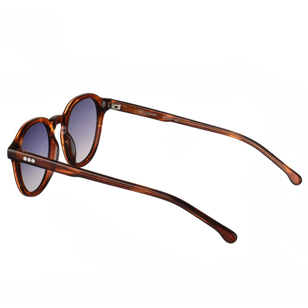 Κοκάλινα unisex γυαλιά ηλίου Damien σε καφέ ταρταρούγα και γκρι ντεγκραντέ polarized φακούς της εταιρίας Komonoγια όλα τα πρόσωπα.