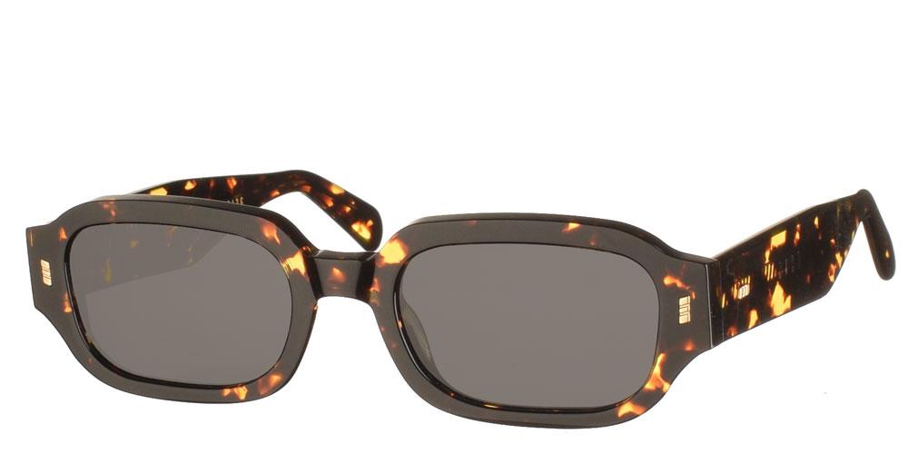 Χειροποίητα κοκάλινα unisex γυαλιά ηλίου Dear Friday Havana Flame σε καφέ ταρταρούγα και σκούρους γκρι φακούς με εσωτερικές antireflex επιστρώσεις της εταιρίας Gast κατάλληλο για όλα τα πρόσωπα.