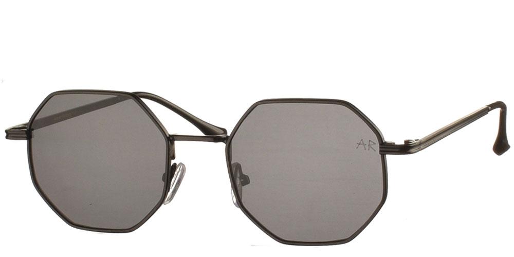 Πολυγωνικά μεταλλικά ανδρικά και γυναικεία γυαλιά ηλίου Frazer με μαύρο σκελετό και σκούρους γκρι φακούς της εταιρίας Armed Robbery κατάλληλα για όλα τα πρόσωπα.